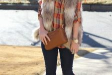21 plaid shirt, a fur vest, jeans and suede boots in ocher color