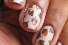 22 acorn nails for fall and Thanksgiving