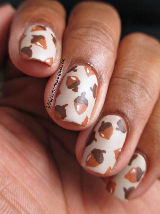 acorn nails for fall and Thanksgiving