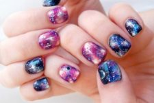 22 adorable galazy-inspired manicure