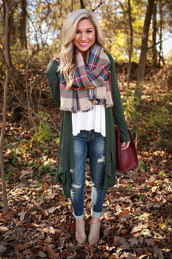 long green cardigan, jeans, a white tee and a blanket scarf (great layered look for fall)