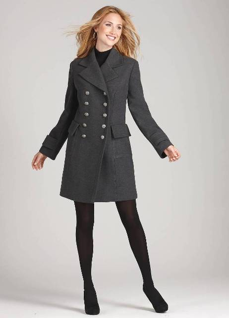 Feminine look with gray coat