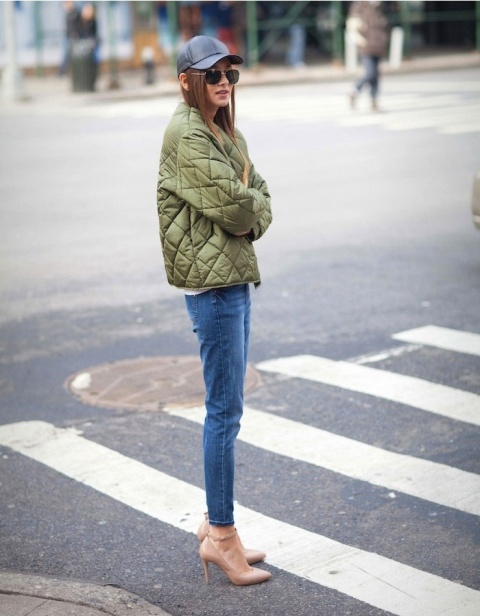 Casual fall look with crop jeans, neutral heels and cap