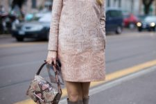 With light pink printed dress with long sleeves