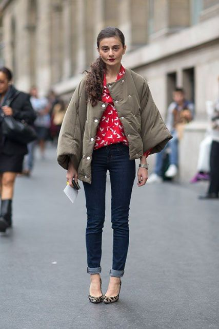 With red and white blouse, cuffed jeans and leopard pumps