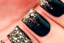 02 art deco manicure with ombre gold and a gold accent nail