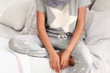 05 star-printed pyjamas