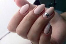 09 pink nails with a sweet silver detail