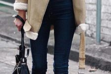 11 jeans, a sweatshirt and a neutral coat with faux fur