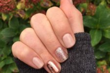 19 neutral nails with glitter and a copper accent one