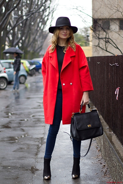 24 Gorgeous Red Coat Outfits To Recreate - Styleoholic