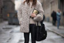 With fur short coat, skinny pants and big bag