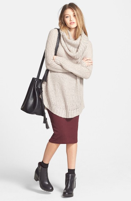 With marsala midi pencil skirt, black ankle boots and big bag