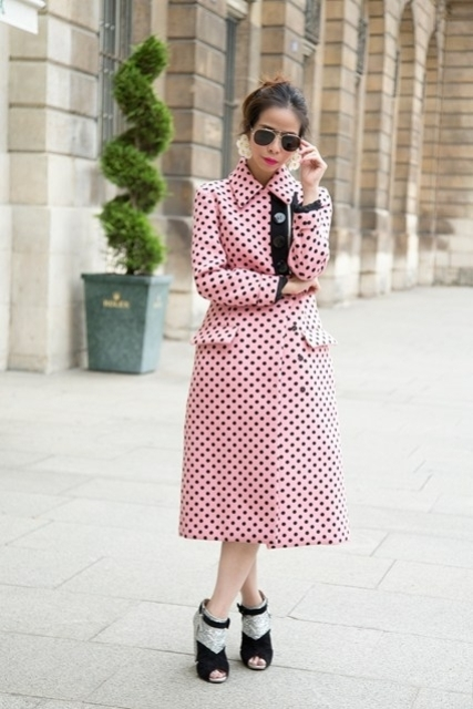 With two color ankle boots and sunglasses