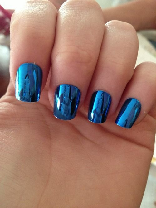 blue chrome nails for the winter