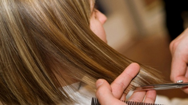 04 Trim your hair every six or eight weeks to keep it healthy