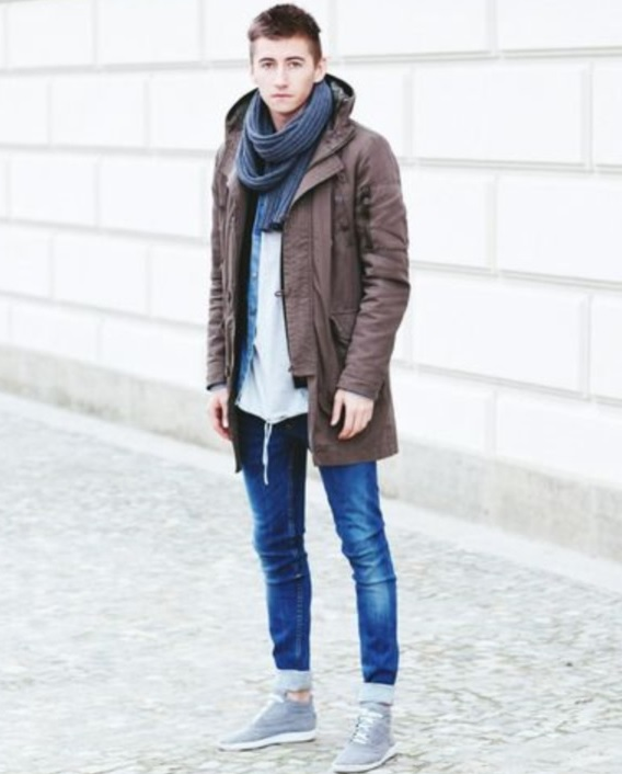 cuffed jeans, a brown parka, grey chucks and a grey scarf