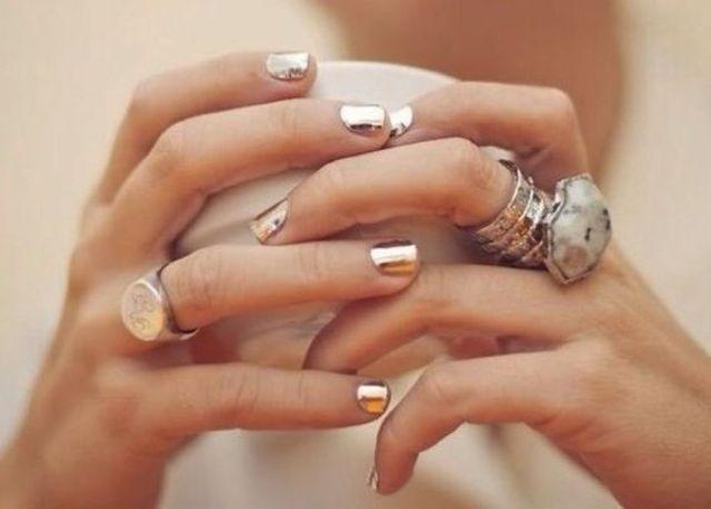 short gold nails