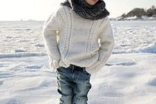 19 jeans, a white cable knit sweater, Converse and a knit scarf