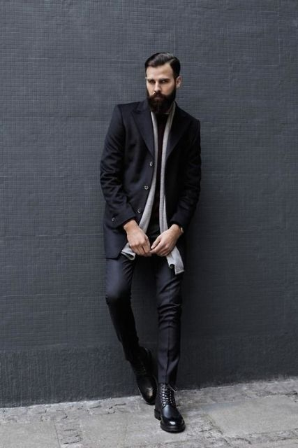 With light gray scarf, blazer and skinny pants