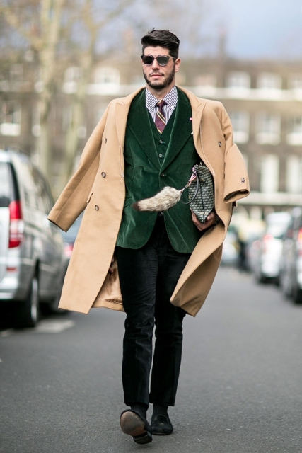 With striped shirt, printed tie, green velvet jacket, trousers and shoes