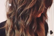 layers with highlights give an additional texture to the hair