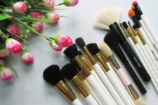 06 Wash your brushes and sponges otherwise they may cause breakouts