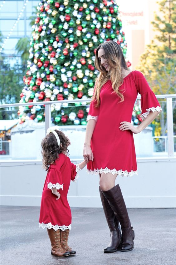 20 Matching Holiday Looks For Moms And Daughters - Styleoholic