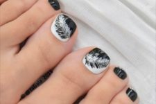 14 black and white feather toe nail art