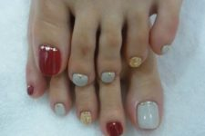 20 white, red and gold glitter are created for each other