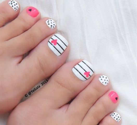polka dot, striped nails and pink accents