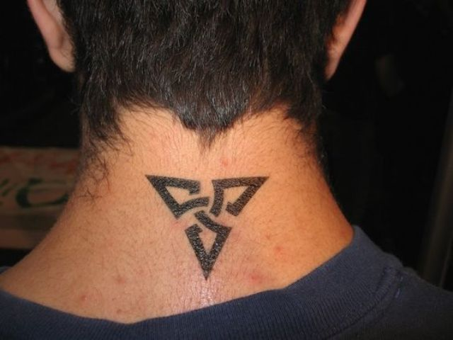 24 excellent small neck tattoos for guys styleoholic for Cool simple tattoos for guys