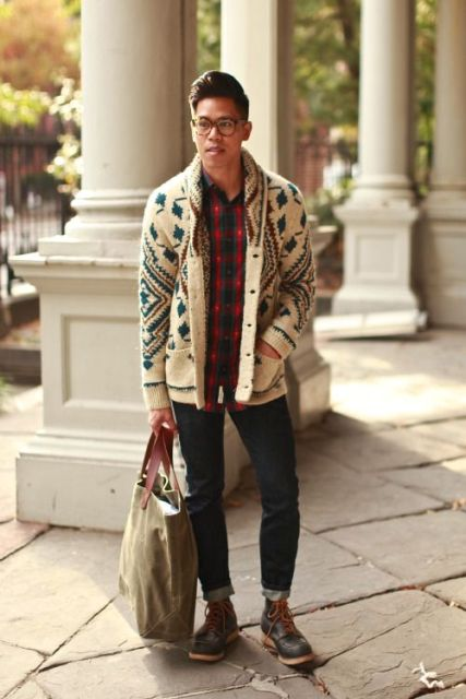 With plaid shirt, cuffed jeans and big tote