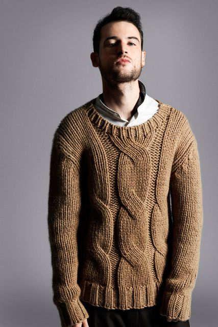 4a9bf90c3d2 23 Cozy Cable Knit Sweater Outfits For Men - Styleoholic