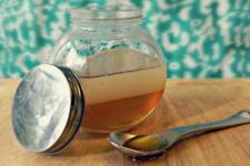 DIY coconut oil honey hair mask