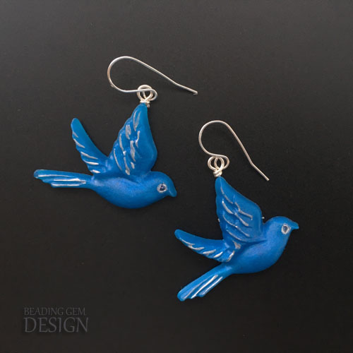 DIY birds in flight resin earrings (via www.beadinggem.com)