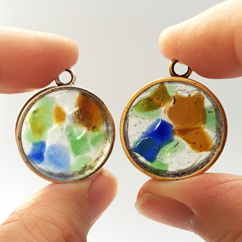 DIY sea glass resin pendants (via www.beadinggem.com)