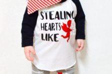 03 baby boy printed sweatshirt, leggings and a scarf