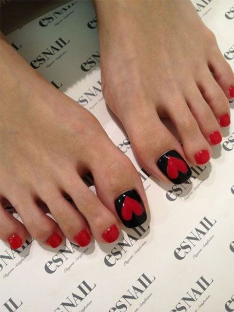 20 Lovely Valentine S Day Toe Nails Designs Styleoholic