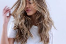 10 light brown hair with blonde locks looks very refreshing