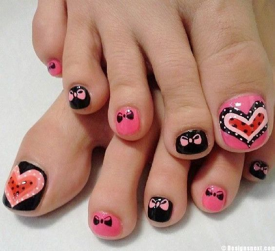 cute nail art with bows and hearts