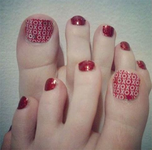 20 lovely valentines day toe nails designs styleoholic xo and red glitter nails prinsesfo Choice Image