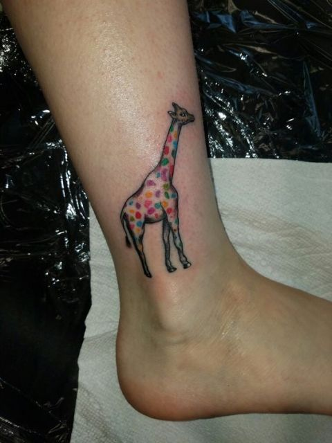 21 Small Giraffe Tattoo Ideas For Ladies Styleoholic