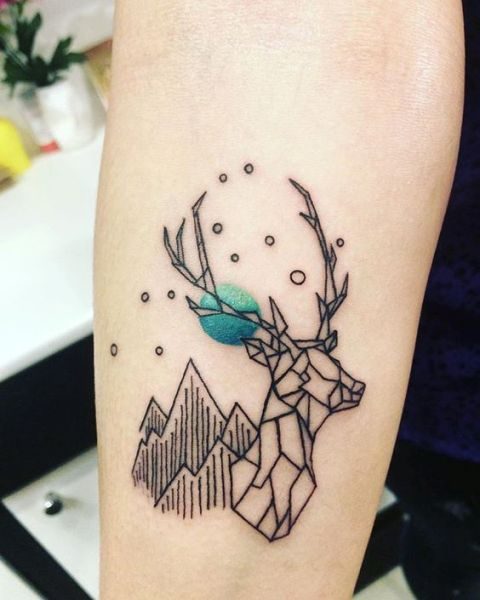 f11af3de93b63 21 Small Deer Tattoo Ideas For Girls - Styleoholic