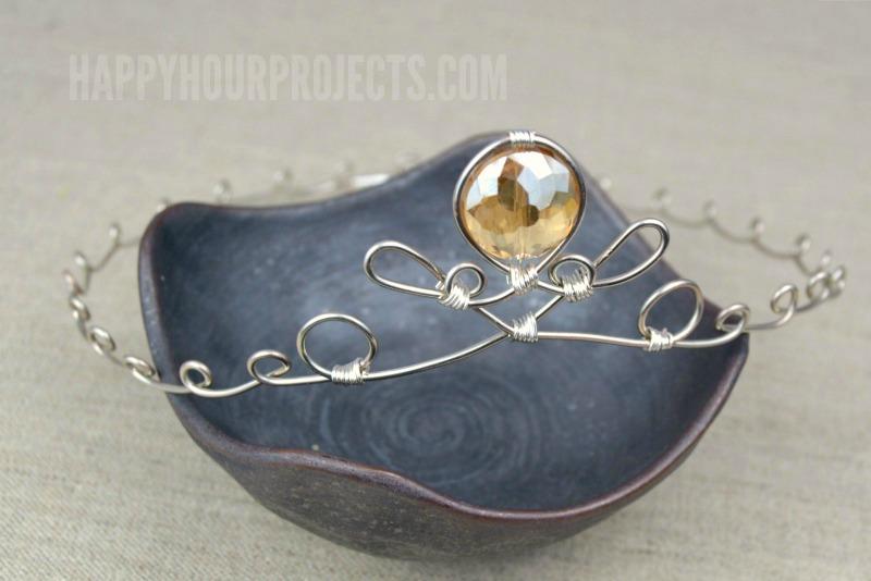 DIY delicate princess tiara of wire