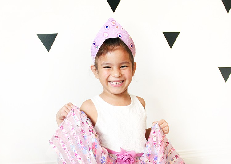 DIY craft paper princess crown (via freshcrush.com)