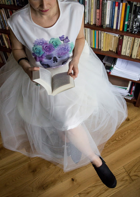 DIY white midi tulle skirt (via mariajustdoit.blogspot.ru)