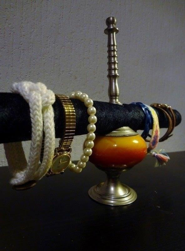 DIY industrial bracelet holder (via https:)