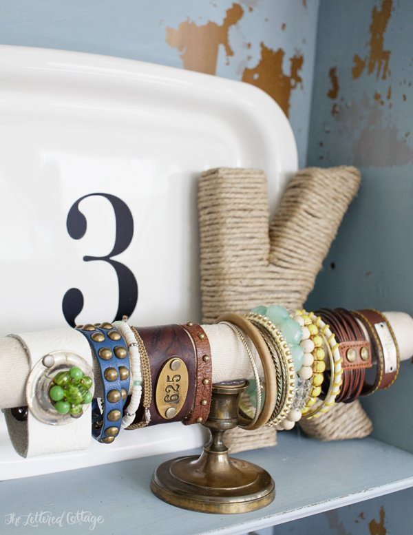 DIY cuff bracelet holder (via theletteredcottage.net)