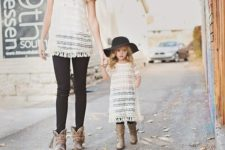 03 black jeans, crochet shirts and cowboy style boots